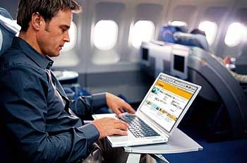 Überall verfügbar:Dank Berners-Lees Erfindung sind mittlerweile auch Fluggäste online