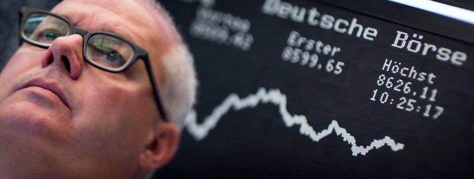 Sorgenvolle Miene: Der Dax hat binnen zwei Wochen rund 6 Prozent an Wert verloren