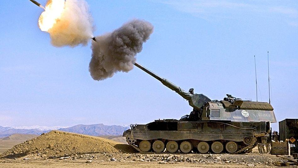 Panzerhaubitze: Schwere Geschütze transportiert die Bundeswehr mit dem Flugzeug nach Deutschland zurück