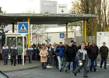 Opel-Beschäftigte: Stellenabbau vorerst ohne Kündigungen