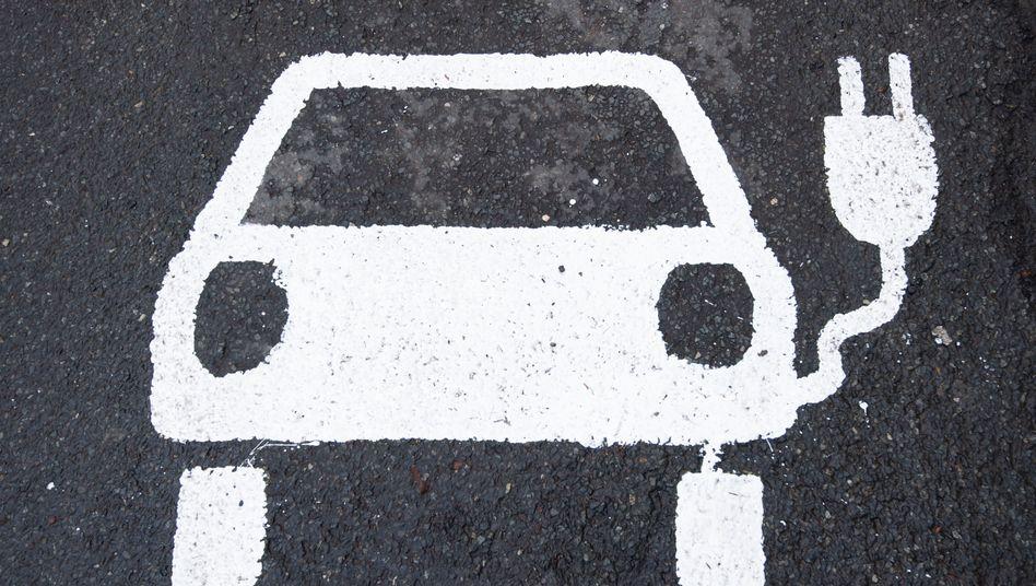 Seit der Staat den Kaufanreiz für Elektroautos mit weiterem Steuergeld erhöht hat, wollen immer mehr Menschen ein Elektroauto kaufen. Doch beim Förderantrag gehen viele Käufer leer aus