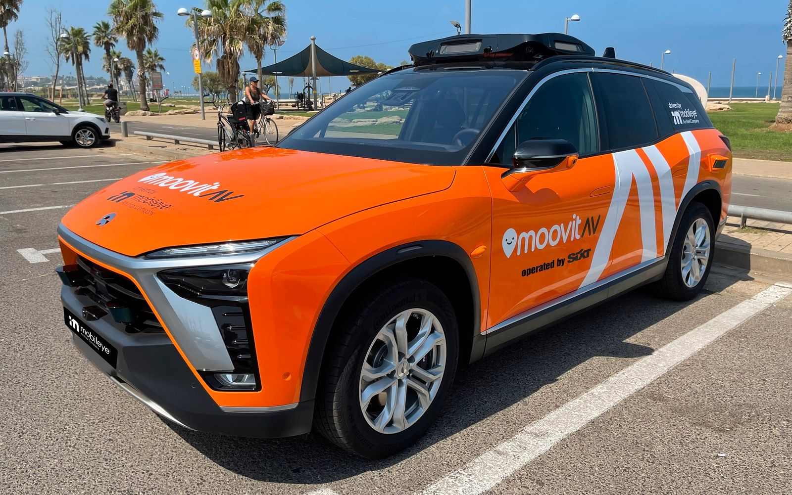 Mobileye_Robotaxi_operated_by_SIXT_1920px