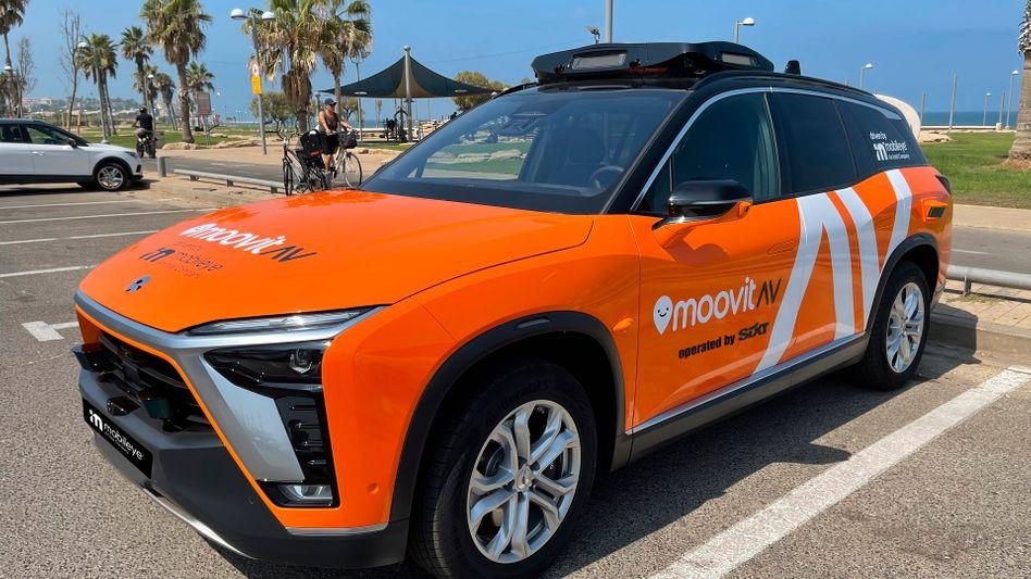 Im kommenden Jahr palmenfrei in München unterwegs: Robotertaxi-Prototyp von Mobileye und Sixt