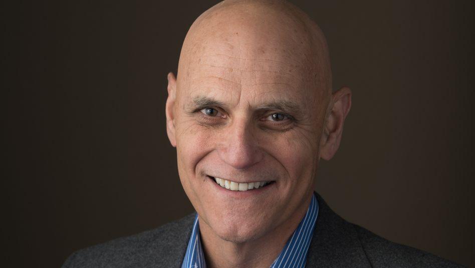 Steven Hayes, Psychologie-Professor und Erfinder der ACT-Methode, die Achtsamkeit und klassische Verhaltenstherapie verbindet.