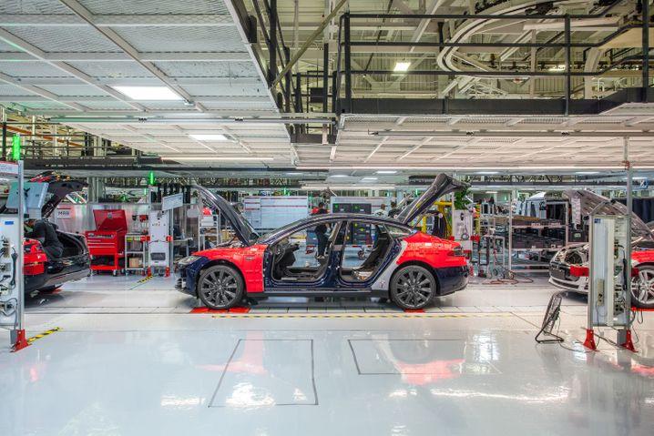 Tesla-Fabrik: Die Verluste bei Tesla steigen rasant