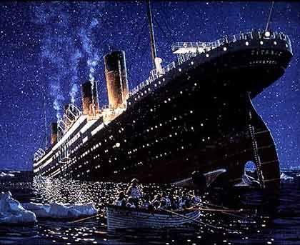 Bis zum 15. April 1912 das größte Kreuzfahrtschiff der Welt (knapp 270 Meter lang): Der Luxusliner Titanic, bei dessen Untergang 1522 Menschen starben