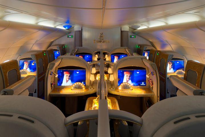 The Emirates Group: Glitzerwelt im A380 in der First Class Private Suite.