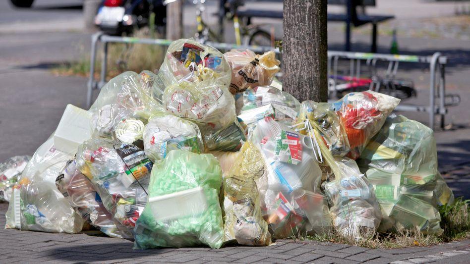 Plastikmüll in Bayern: Bei den Recyclinghöfen wird zwar rund 45 Prozent an Plastikmüll angeliefert - wieder verwendbar ist davon aber nur 15,6 Prozent