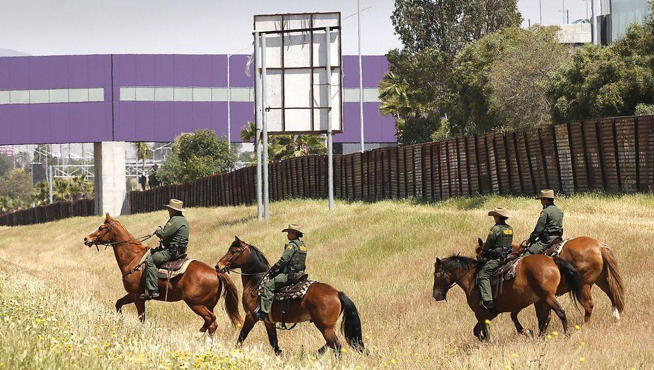 US-Grenzpolizisten an der Grenze zu Mexiko: Trump sieht nationalen Notstand