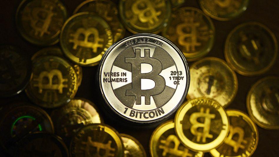 Bitcoin-Münzen: Die umstrittene virtuelle Währung hat in den letzten Tagen massiv an Wert verloren