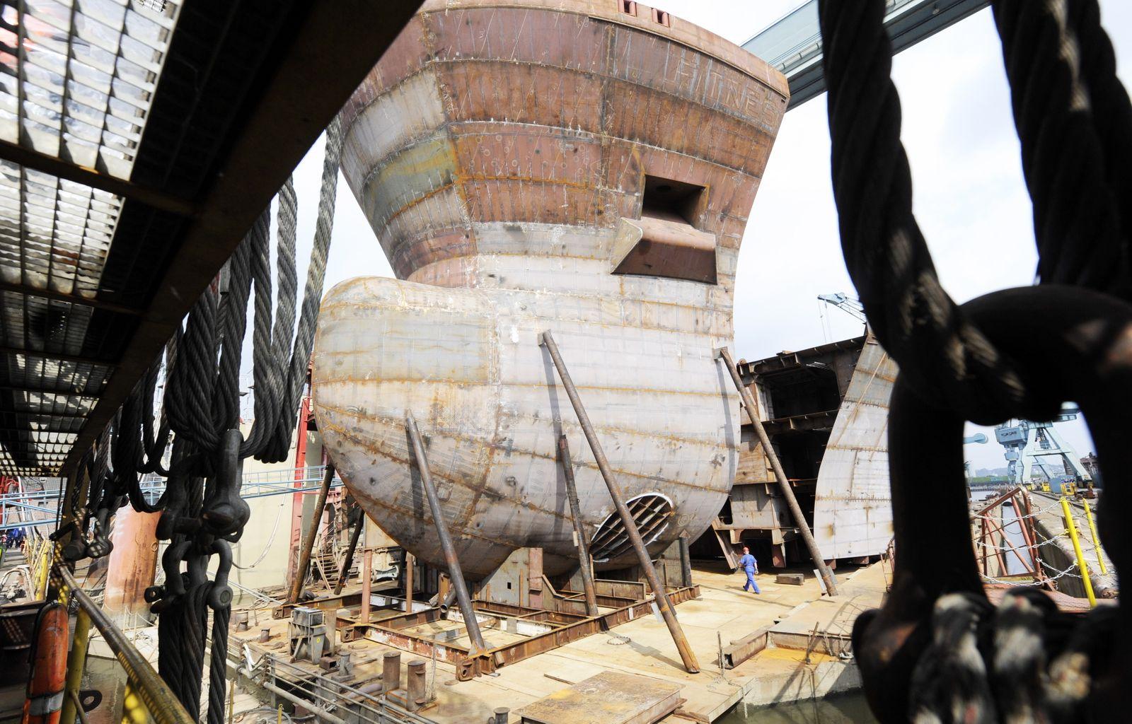 J. J. Sietas KG Schiffswerft - Werften hoffen auf Trendwende; Sietas Werft / Neuenfelde, Hamburg
