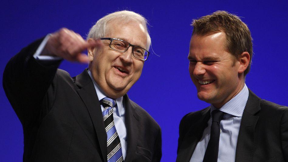Alles nur eine provinzielle Angelegenheit: Gesundheitsminister Bahr und FDP-Fraktionschef Brüderle sehen keine Gefahr für die Koalition mit der CDU auf Bundesebene