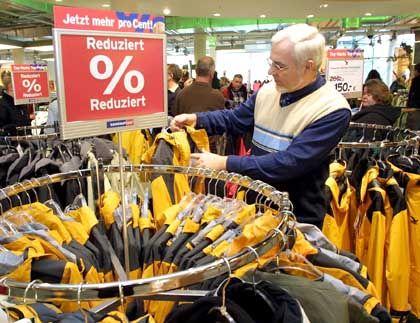 Probleme für Markentextilien: Die Bekleidungsindustrie verbuchte ein Umsatzminus von 5,5 Prozent.