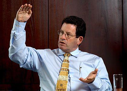 Ken Fisher Der Vermögensverwalter: Fisher steht für unkonventionelle Ansätze und hohe Renditen. Mit seiner Firma verwaltet er 42 Milliarden Dollar. In Deutschland kooperiert er mit dem Vermögensverwalter Thomas Grüner. Die Person: Fisher ist der Sohn der US-Anlagelegende Philip Fisher und rangiert auf Platz 271 der 400 reichsten Amerikaner.