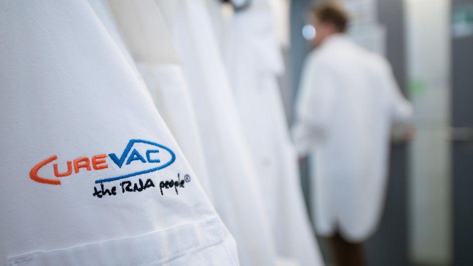 Gute Verträglichkeit und ausgewogene Immunantwort: CureVac hat detaillierte Ergebnisse der ersten klinischen Studie zu seinem Corona-Impfstoff vorgelegt
