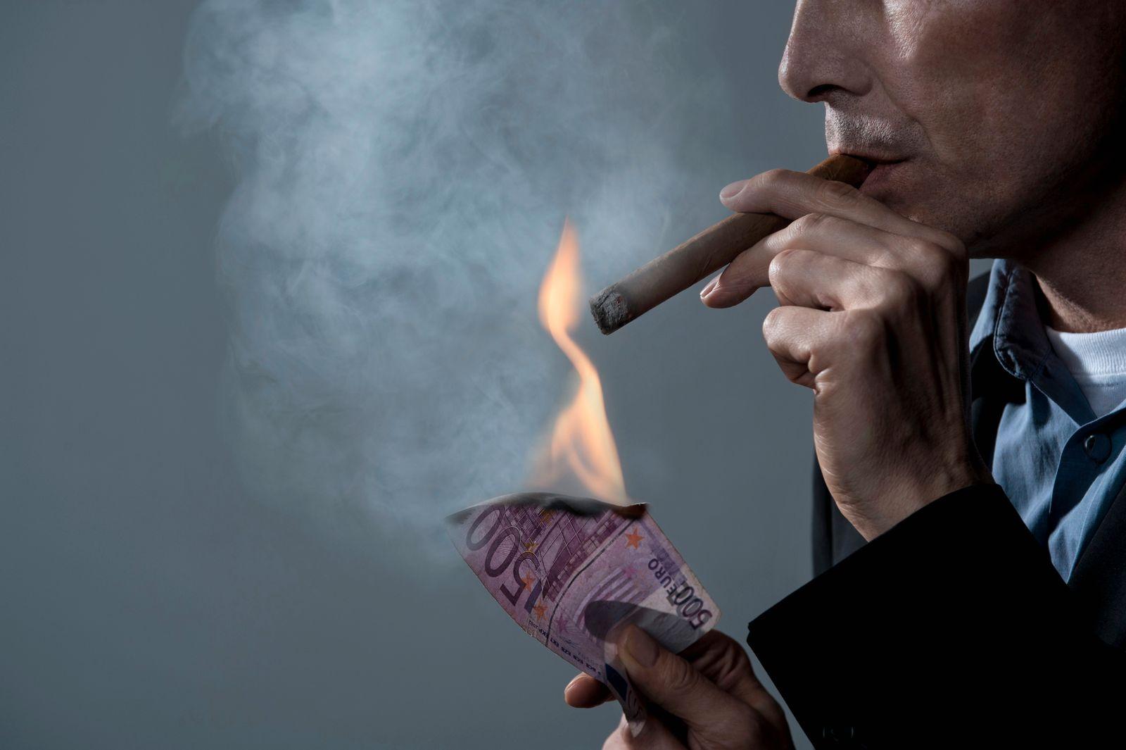 NICHT MEHR VERWENDEN! - Geschäftsmann / Banknote / Feuer / Zigarre