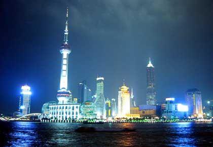 Shanghais Finanzdistrikt Pudong: Die Deutsche Bank will am frischen Markt für die faulen Kredite in China ihre Position festigen