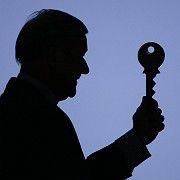 Verblasstes Symbol: Der überdimensionale Schlüssel, gehalten von Ex-UBS-Chef Marcel Ospel, steht für das Schweizer Bankgeheimnis. Doch das bröckelt.