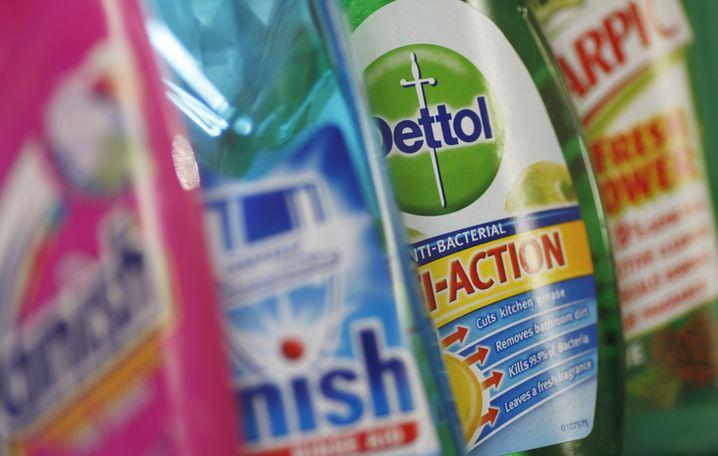 Reich mit Reinigungsmitteln: Den Reimanns gehören heute noch 11 Prozent am Konsümgüterriesen Reckitt Benckiser (Vanish, Calgon) - doch auch im Luxussegment (Coty, Jimmy Choo) sind die Reimänner erfolgreich unterwegs