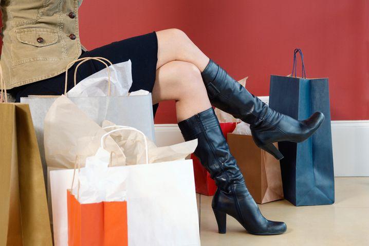 Wahnsinn in Tüten: Viele Einkäufe führen später zu Frustration