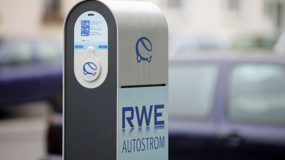 RWE-Strom-Ladestation: Der Konzern ist einer der führenden Betreiber von Ladestationen für Elektrofahrzeuge. Fehlt eine funktionierende Infrastruktur von Ladestationen, hat die Elektromobilität in Deutschland nur wenig Chancen