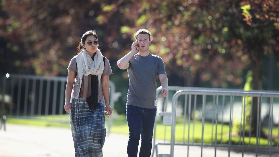 Philanthropen: Zuckerberg und seine Frau Priscilla Chan. Der Manager ist seit 2012 mit der Ärztin verheiratet
