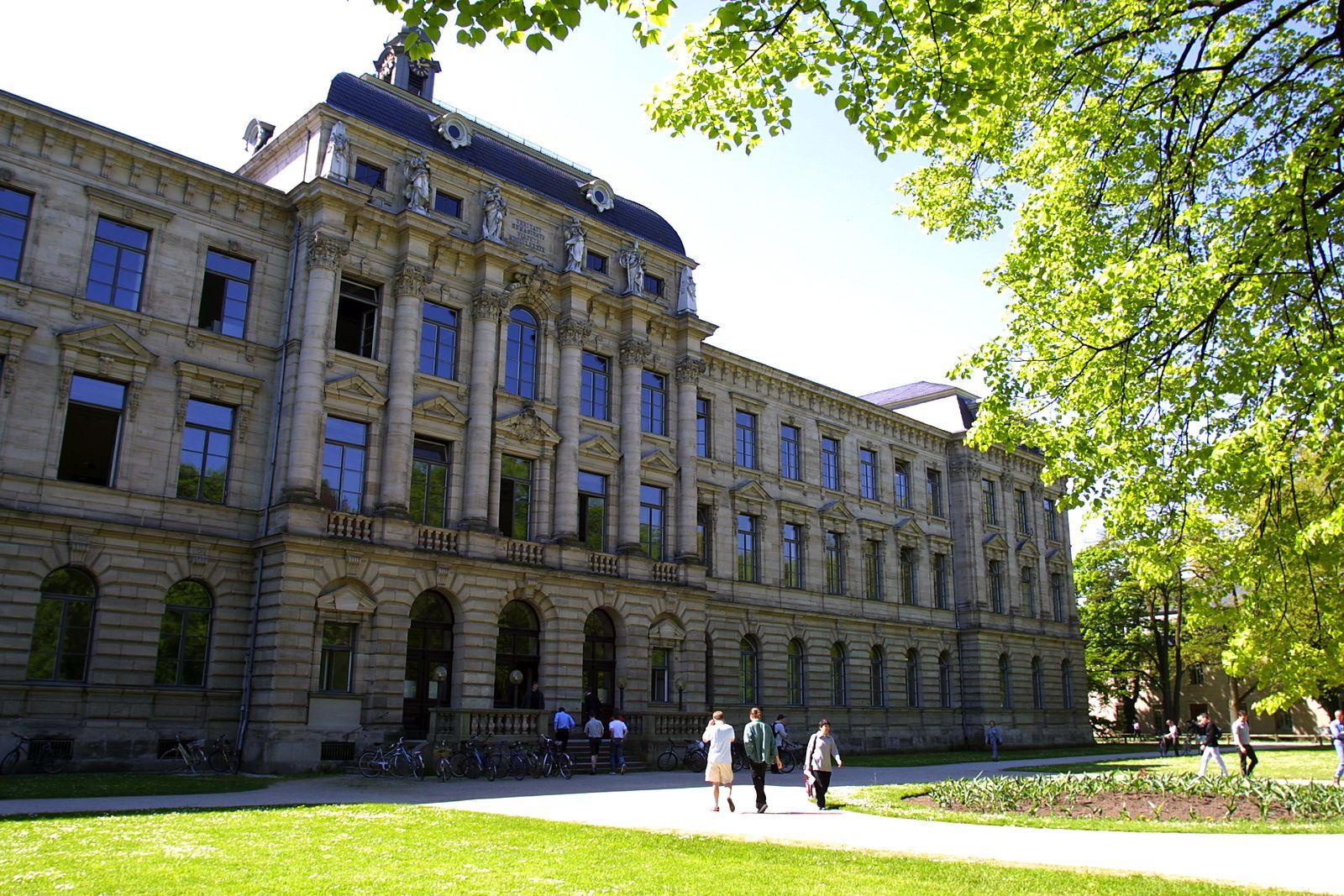 Universität Erlangen / UNISPIEGEL