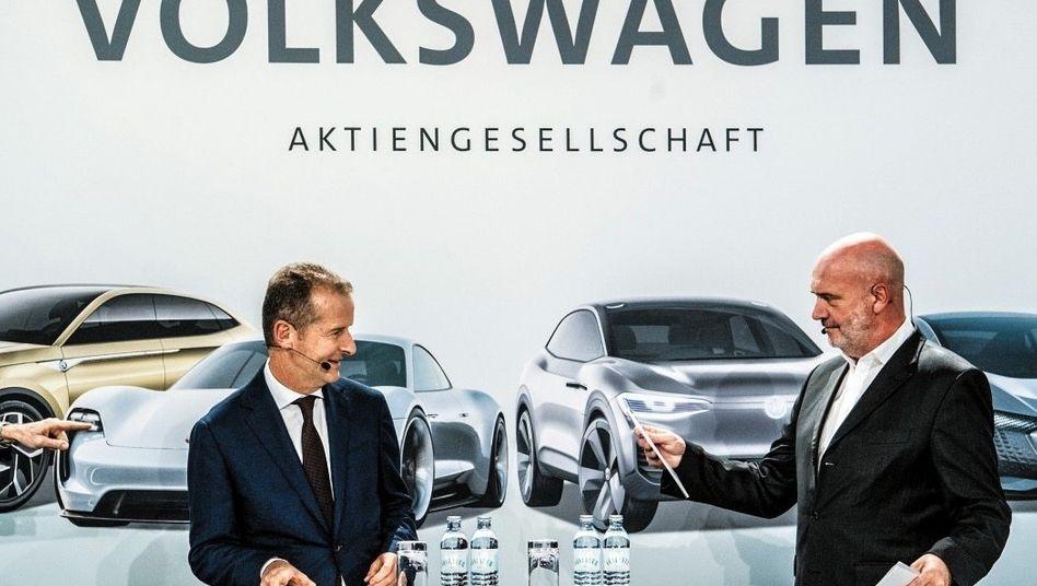Teilzeit-Alliierte: Volkswagen-Chef Herbert Diess (l.) kam bei manchem Wechsel Betriebsratsboss Bernd Osterloh entgegen