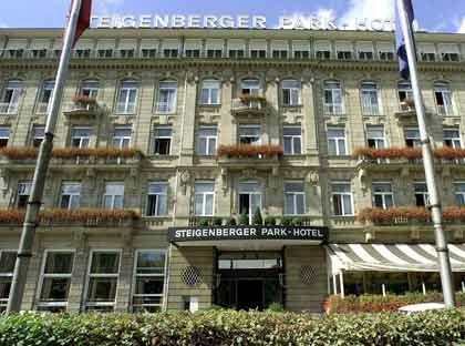 Steigenberger Park-Hotel in Düsseldorf: Schon seit Längerem wurde über einen Verkauf der Hotelgruppe spekuliert