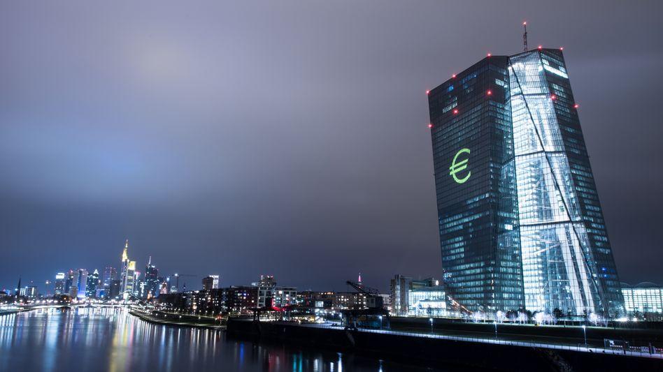 EZB-Tower in Frankfurt: Neuer Versuch, die Dollar-Dominanz zu brechen