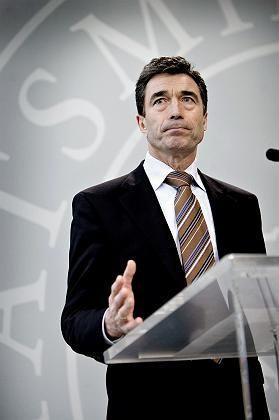 """Premier Rasmussen: """"Außer Kontrolle"""""""