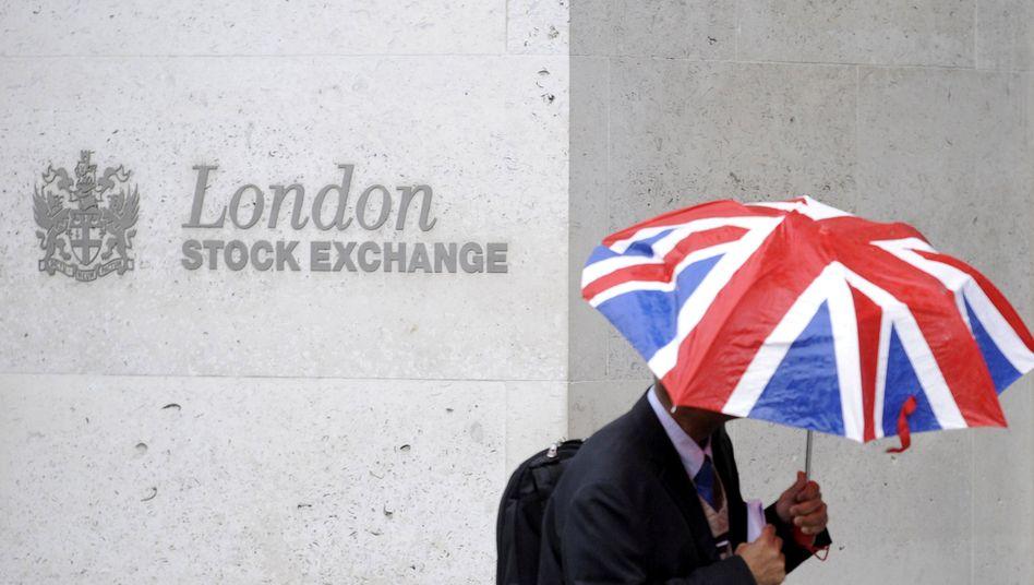 Patriotismus zahlt sich aus - jedenfalls momentan: An der Börse in London sind die Kurse trotz Brexit gestiegen