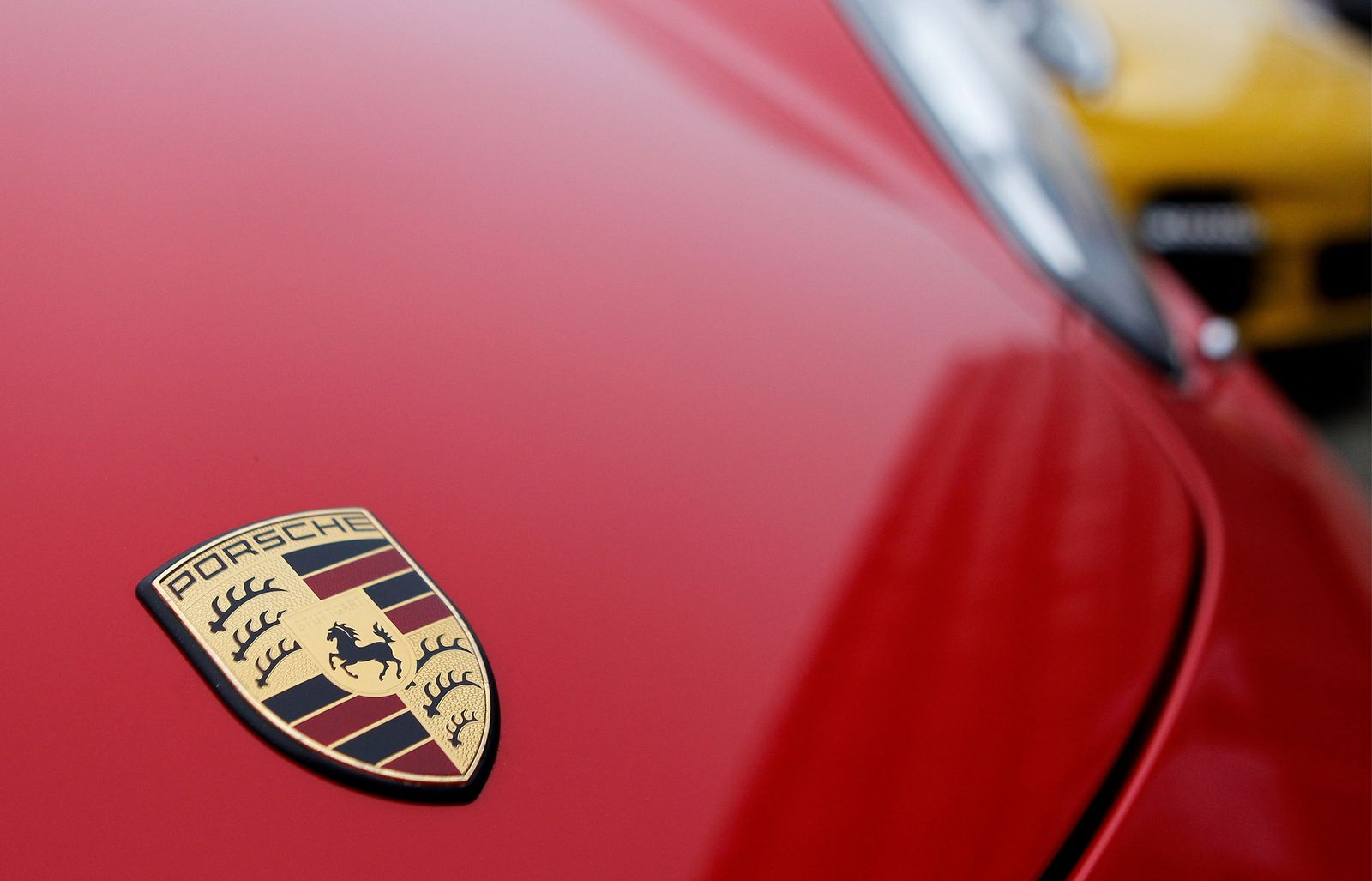 NICHT VERWENDEN Porsche Emblem
