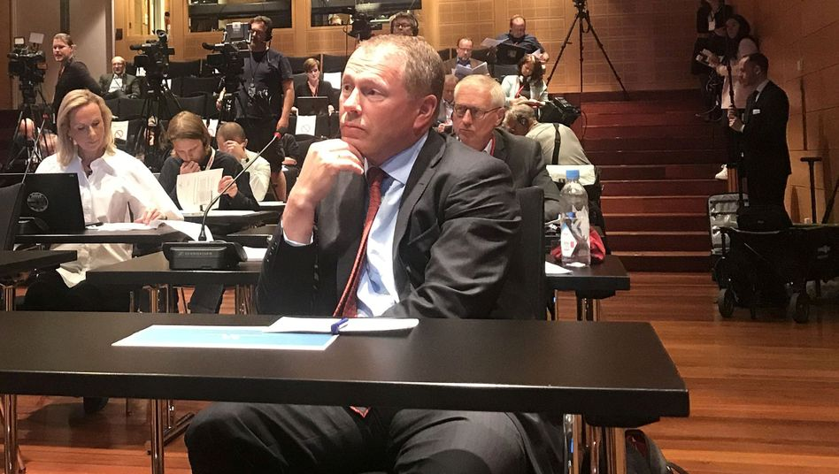 Nicolai Tangen auf einer Pressekonferenz in der norwegischen Zentralbank im Mai.