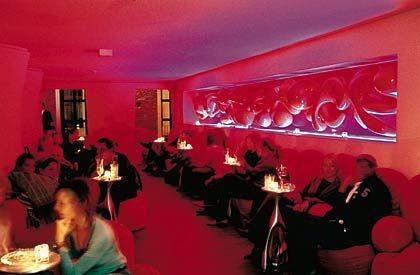 """Ruhezone für Nachtvögel: Lounge in der neuen Hamburger """"Yakshi's Bar"""""""