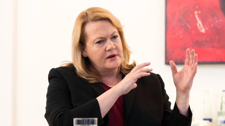 """Ex-Vorständin Jacqueline Hunt: Künftig nur noch """"strategische Beraterin"""""""