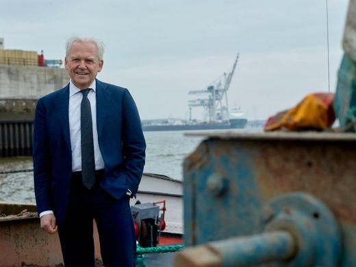 Spurwechsel: Rüdiger Grube im Hamburger Hafen. Bei der Bahn mühte er sich nach den Krawalljahren seines Vorgängers Hartmut Mehdorn um Harmonie, schied aber 2017 überraschend im Streit um eine Vertragsverlängerung