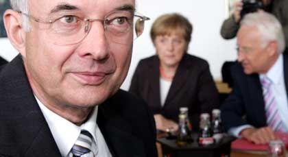 Kirchhof, Merkel, Stoiber: Wer kommt nach Berlin?