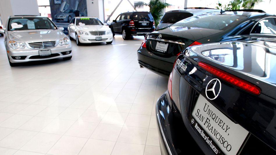 Mercedes-Verkaufsraum: Viele traditionelle Händler sehen ihr Geschäft bedroht