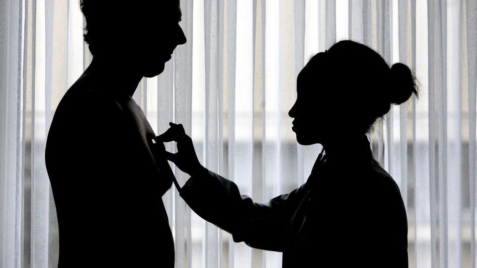 Patient Krankenkasse: Die gesetzlichen Krankenversicherer kommen ohne Zuschüsse vom Staat kaum noch mit ihrem Geld aus