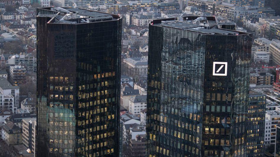 Doppelturm der Deutschen Bank in Frankfurt