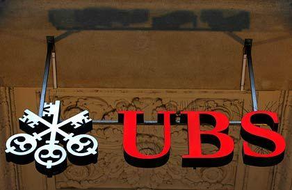 Einen Schritt weiter: Die Schweizer Großbank UBS hat US-Hypothekenpapiere für 15 Milliarden Dollar verkauft.
