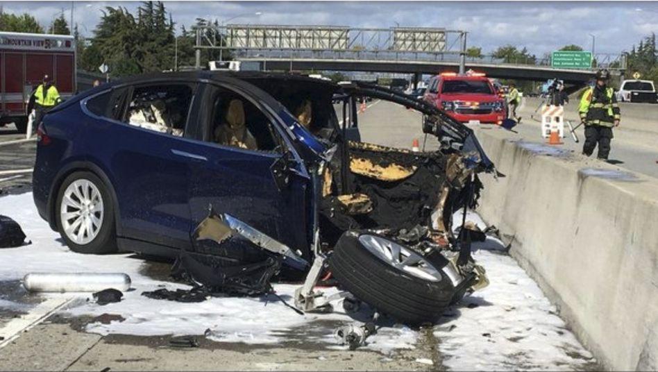 Verunglückter Tesla-Wagen in Kalifornien (Archivaufnahme, März 2018)