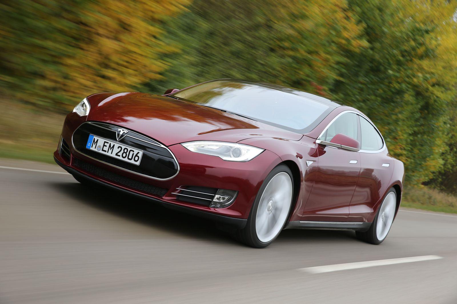 Tesla S / Frontansicht