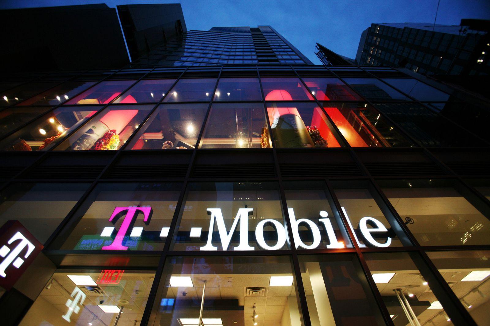 NICHT VERWENDEN T-Mobile am Times Sqaure in New York / USA / Telekom