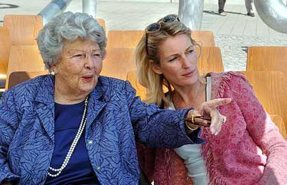 Familienmensch: Aenne Burda zusammen mit ihrer Schwiegertochter, der Schauspielern Maria Furtwängler