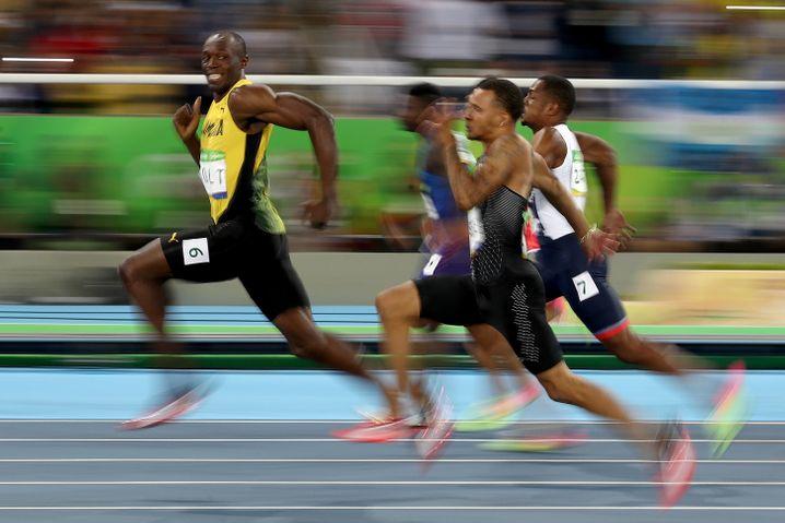 Hat gut lachen: Usain Bolt, der schnellste Mann der Welt. Für Ihren Firmenlauftreff reicht es aber, wenn jemand wirklich gerne läuft.