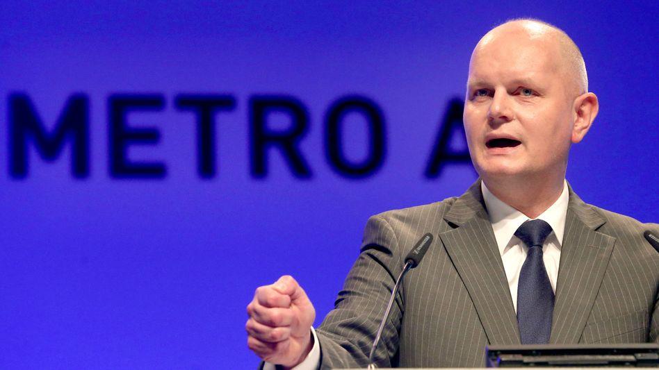 Metro-Chef Olaf Koch: Der Manager verspricht eine Dividende, im ersten Geschäftsquartal wurde der Konzern allerdings vom starken Euro gebremst