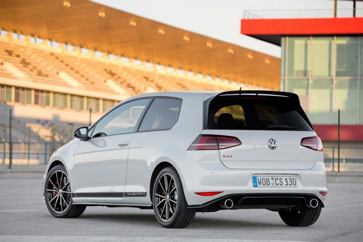 Der Golf GTI ist schnell - doch bei VW werden Auto zu sehr hohen Kosten hergestellt, kritisiert eine Studie