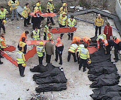 Bergung der Opfer am Atocha-Bahnhof: 192 Menschen kamen ums Leben